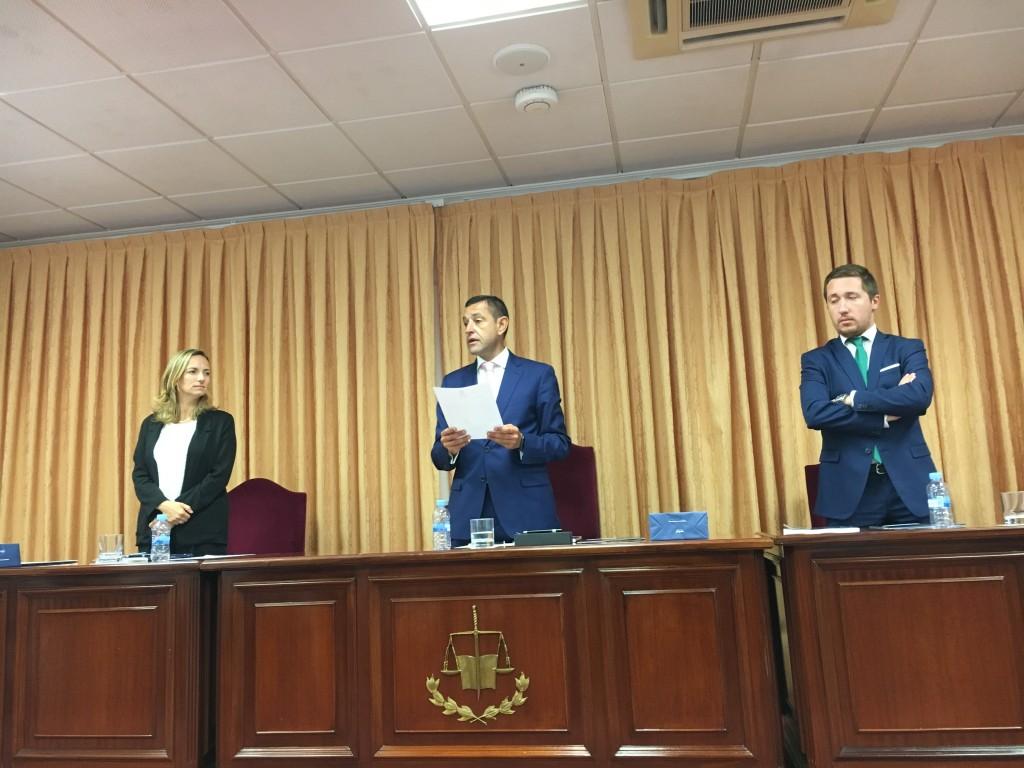 Tribunal TD: Dra. Elvira Ferrés Amat, Profa. UIC Barcelona - Secretaria, Prof. Dr. José Luis Calvo Guirado, Catedrático UCAM – Presidente y Dr. Antonio Aguilar-Salvatierra Raya, Prof. U de Granada - vocal. (de izquierda a derecha)